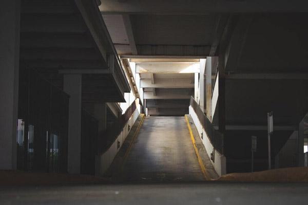 شیب رمپ پارکینگ